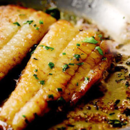 Flounder with Lemon-Butter Sauce Recipe