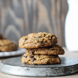 Flourless Almond Butter Chocolate Chip Cookies