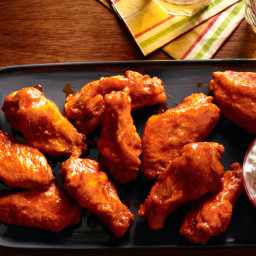 Fried Buffalo Wings With Blue Cheese Dip