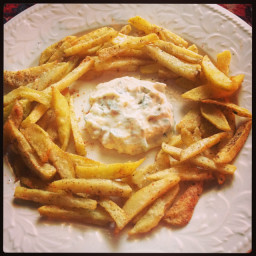 French fries with ginger garlic mayonnaise paste