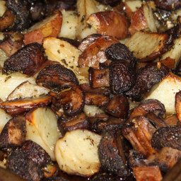 Garlic and Rosemary Roasted Potatoes and Mushrooms
