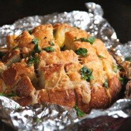 Garlic Cheddar Pull-Apart Bread