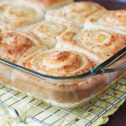 Garlic Cheddar Swirl Buns
