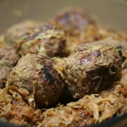 German Meatballs with Red Cabbage
