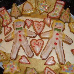 Gingerbread figures