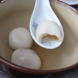 Glutinous rice dumplings (Tang Yuan)