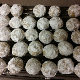 Gram Bray's Cinnamon Ball Cookies