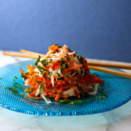 Grated Carrot, Kohlrabi and Radish Salad