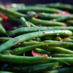 Green Beans with Garlic and Basil