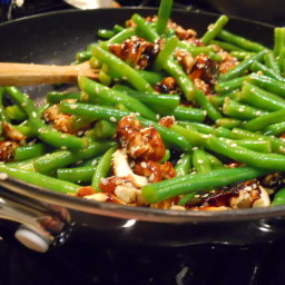 Green beans with sticky soy cashews