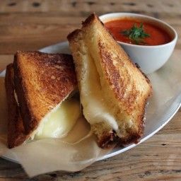 Grilled Cheese Sandwiches with Cheddar and Shallot