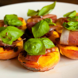 Grilled peaches with Prosciutto and basil recipe