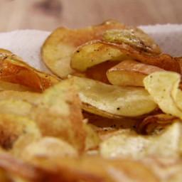 Homemade Black Pepper Potato Chips