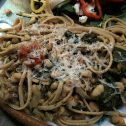 Italian Turkey Sausage, White Beans &Tomatoes Over Linguine