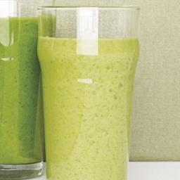 Kale Smoothie With Pineapple and Banana