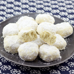 Kourambiethes | Greek Christmas Cookies