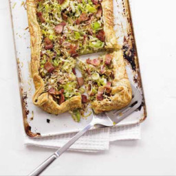 Leek, cheese and bacon tart