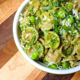 Lemony Pesto Pasta with Peas