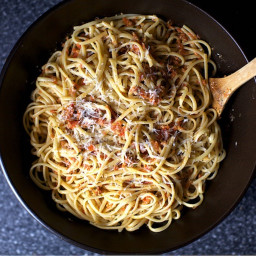 Linguine with Tomato-Almond Pesto [Pesto Trapenese] - BigOven