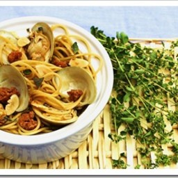 Little Neck Clams With Chorizo and Pasta