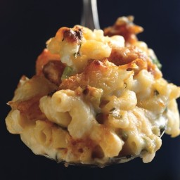 Mac and Cheese with Buffalo Chicken