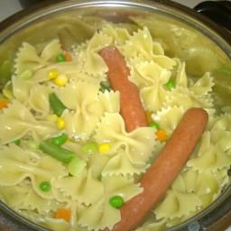 Macaroni and sausage with veggies