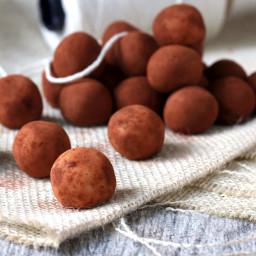 Marzipankartoffeln (Chocolate Dusted Marzipan Potatoes)