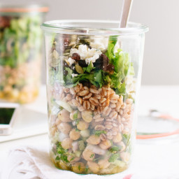 Mason Jar Chickpea, Farro and Greens Salad (plus lunch packing tips!)