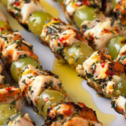 Mediterranean Grilled Chicken and Grape Skewers