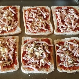 Mini Pizza Triangles
