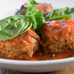 Mushroom Meatballs with Easy Tomato Sauce