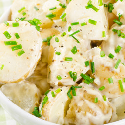 New-Potato Salad in Red Onion Dressing