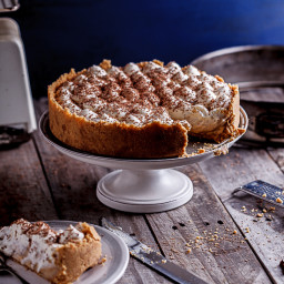 No-bake Banoffee pie with white chocolate mousse topping