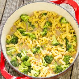 One Pot Wonder Pasta Con Broccoli Recipe