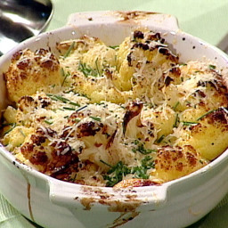 Oven-Roasted Cauliflower with Garlic, Olive Oil and Lemon Juice