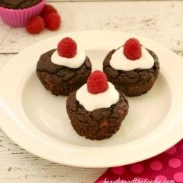 Paleo Chocolate Raspberry Cupcakes with Vanilla Cream Frosting
