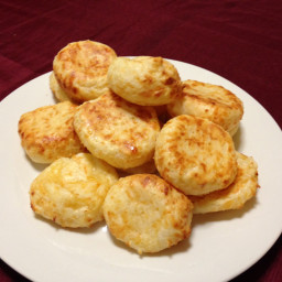 Pão de Queijo - Brazilian Cheese Rolls