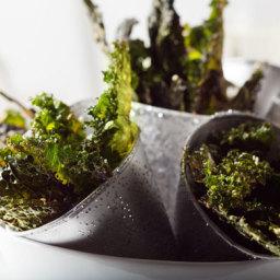 Parmesan Pepper Curly Kale Chips