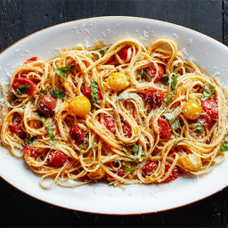 Pasta with 15-Minute Burst Cherry Tomato Sauce