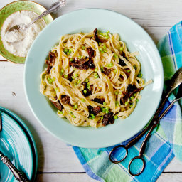 Pasta With Morels, Peas and Parmesan