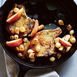Pork Chops with Roasted Apples and Onions