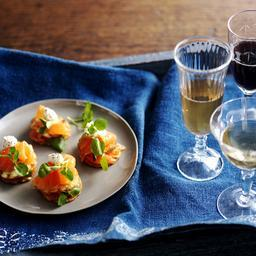 Potato wafers with smoked salmon, watercress and horseradish cream