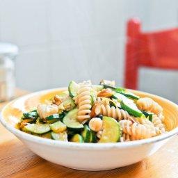 Pâtes aux courgettes, amandes et zestes de citron Recette