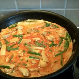 Red Chicken Curry Gaeng Phed Gai