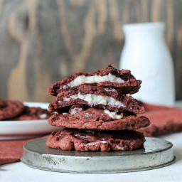 Red Velvet Oreo Cookies with Cheesecake Filling