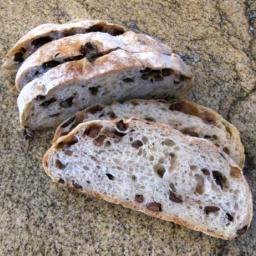 Ripe Olives Add Texture and Flavor to This Easy No-Knead Bread