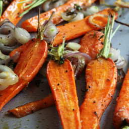 Roast Carrots with Shallots and Thyme