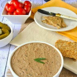 Rosemary chicken pâté with bacon