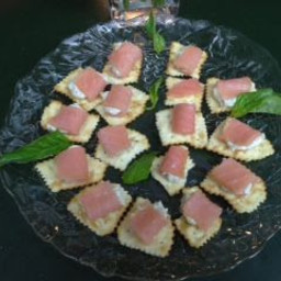 Salmon/Low Fat Cheese canapes