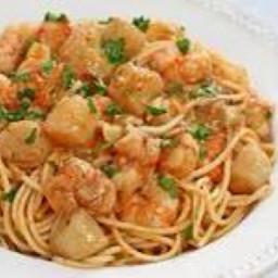 Seafood Pasta alla Buzara